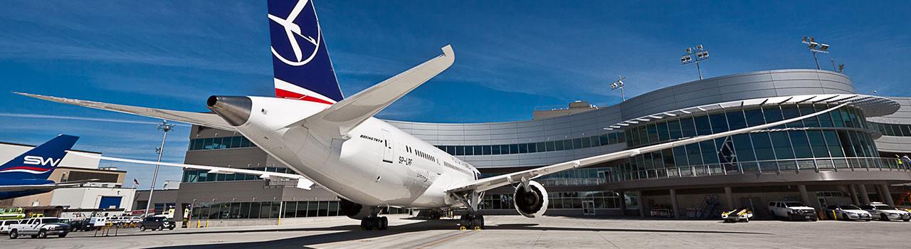 Toronto kedvezményesen a LOT Lengyel Légitársaság járataival