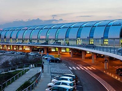 Megnövekedett reptéri forgalomra kell számítani a hosszú hétvégén