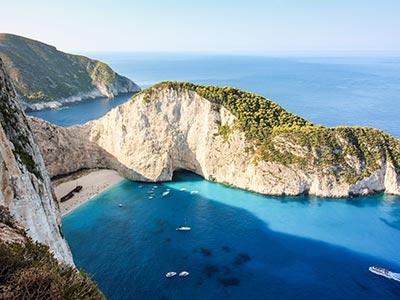 <p>Július 1-től Zakinthosz, Korfu és Chania (Kréta) is elérhető lesz Budapestről a fapados társasággal. A három görög szigetre összesen heti 7 járat fog közlekedni.</p>